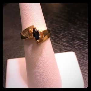 14k Gold & Saphire ring size 6